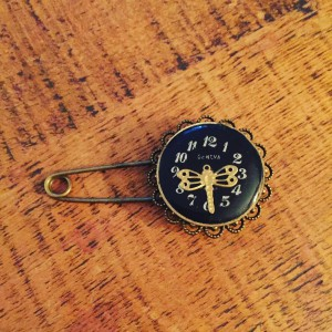 Some_items_I_m_adding_to_my_Etsy_shop_today.__Here_s_a_Steampunk_assemblage_dragonfly__brooch_made_with_vintage_mechanical_watch_parts. (3)